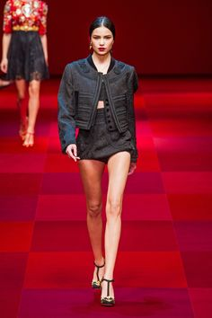 Dolce & Gabbana at Milan Fashion Week Spring 2015 - Runway Photos