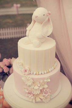 Sweet sugar bunny baby shower cake - Sugar Bunnies Of All Kinds! An Easter Feature | Wee Love Baking