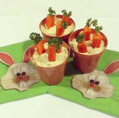 Check out these cute houmous and carrot flower pots we made! Don't forget to follow LighterLife on Instagram for more cheeky snaps like this! #recipe #food