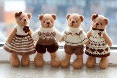 Вязаные вещи согреваю тело, а вязаные игрушки греют душу.... фото #3 Dollhouse Dolls, Knitting, Toys, Animals, Teddy Bears, Dollhouses, Activity Toys, Animales, Tricot