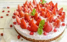 Ontbijttaart met aardbeien maak je zo! - Oh My Pie! Pcos, Granola, Cheesecake, Good Food, Goodies, Strawberry, Low Carb, Candy, Baking