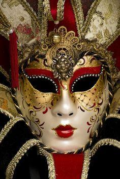 Carnival Mask, Venice - Red and Black Mardi Gras Carnival, Venetian Carnival Masks, Carnival Of Venice, Venetian Masquerade, Masquerade Ball, Costume Venitien, Venice Mask, Popular Photography, Beautiful Mask