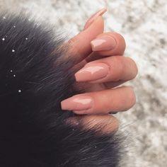 blanka naglar utan lack