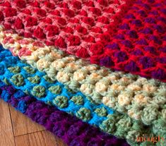 The Moroccan Tile Afghan is warm, cozy, a fast V stitch pattern to crochet, and full of color. It's the latest free crochet blanket pattern on Moogly – included are guidelines for 6 different sizes. Crochet Afgans, Knit Or Crochet, Crochet Crafts, Crochet Hooks, Crochet Projects, Free Crochet, Crochet Blankets, Afghan Crochet Patterns, Crochet Stitches