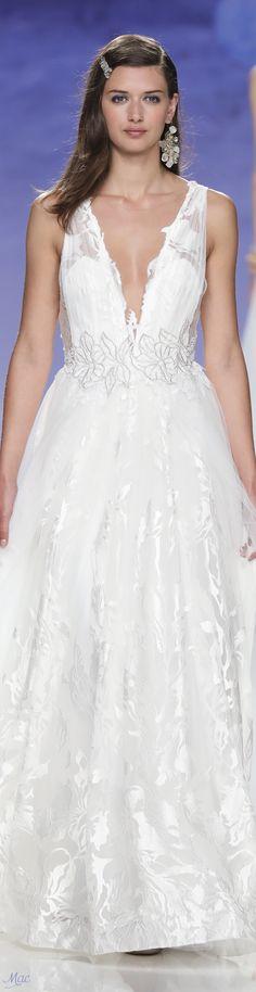 Oscar de la renta wedding dress 2018 honda