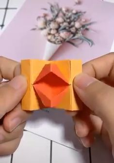 Paper Crafts - Creative ideas about paper crafts. -Beautiful Paper Crafts - Creative ideas about paper crafts. - Pretty And Amusing Origami Ideas - DIY Tutorials Videos Paper Flowers Craft, Paper Crafts Origami, Easy Paper Crafts, Diy Origami, Diy Arts And Crafts, Creative Crafts, Diy Paper, Paper Crafting, Creative Ideas