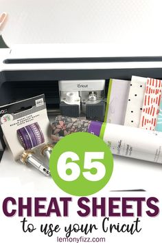 Cricut project ideas are quicker and easier with these cheat sheets that guide you to make Cricut crafts with your Cricut Maker (or Cricut Explore) and Design Space. Get started using your Cricut machine with this easy to use guide book. Cricut Air 2, Cricut Help, Cricut Vinyl, Cricut Apps, Circuit Projects, Vinyl Projects, Cinta Washi, Cricut Tutorials, Cricut Ideas