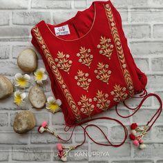 Pakistani Dress Design, Pakistani Dresses, Indian Dresses, Indian Outfits, Embroidery On Kurtis, Kurti Embroidery Design, Hand Embroidery, Indian Look, Indian Ethnic Wear