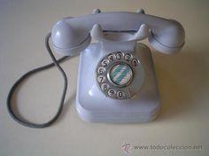 Telefono Antiguo de Baquelita Color Celeste    A casa