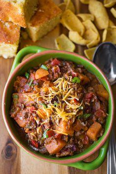 Cheesy Sweet Potato Skillet Chili - (Free Recipe below) Crockpot Recipes, Soup Recipes, Cooking Recipes, Healthy Recipes, Cooking Chili, Chili Recipes, Pasta Recipes, Coleslaw Recipes, Healthy Food