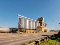 Coaldale AB grain elevator