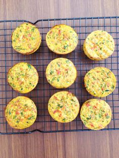 Easy Mini Frittatas Ingredients (makes raw bacon – cooked first on the stovetop (or use ham) 1 shallot / green onion of roughly chopped / washed / deseeded red capsicum of roughly chopped / washed zucchini 1 handful of spinach 10 eggs Lunch Snacks, Lunch Box Recipes, Savory Snacks, Wrap Recipes, Healthy Snacks, Breakfast Recipes, Kid Lunches, Lunchbox Ideas, School Lunches