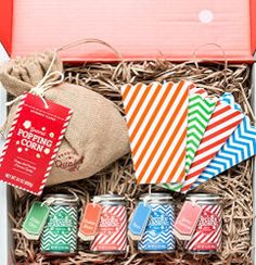 Popcorn gift sets are so much fun! We supply everything you need for a snack-filled movie night, from popcorn kernels & striped bags to 3 delicious seasonings. Bacon Seasoning, Popcorn Seasoning, Popcorn Gift, Popcorn Bags, Pop Popcorn, Movie Night Gift Basket, Best Gift Baskets, Unique Gifts, Best Gifts