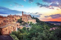 """""""Cook in Tuscany"""", 6-day all-inclusive Tuscan cooking school... CHECK! ;) https://market.bucketlist.net/en/listings/451334-cook-in-tuscany"""
