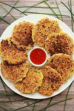 Easy and delicious vegan corn fritters. Fabulous served either hot or cold, savory or sweet. Ideal as an appetizer or light meal. Vegaterian Recipes, Raw Food Recipes, Veggie Recipes, Cooking Recipes, Meatless Recipes, What's Cooking, Healthy Recipes, Vegan Appetizers, Vegan Dinner Recipes