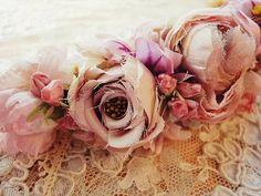 フラワーカチューシャ(ローズピンク) - イギリスとフランスのアンティーク   薔薇と天使のアンティーク   Eglantyne(エグランティーヌ)