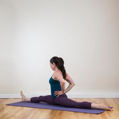 How to stretch to help with the splits. Even though I can do the splits I am pining because I love these yoga poses/stretches and recognized them from cheerleading. These are great for the core. Fitness Goals, Yoga Fitness, Fitness Tips, Fitness Motivation, Health Fitness, Fitness 24, Fitness Band, Fitness Challenges, Fitness Weightloss