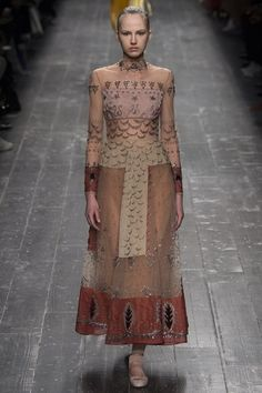 @MaisonValentino Autumn/Winter 2016-17 via #pfw