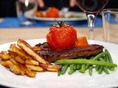 Biff med ovnstekte tomater og chilismør Steak, Beef, Food, Meat, Essen, Steaks, Meals, Yemek, Eten