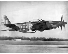 Britain's Martin-Baker MB 5 fighter could have been in service in time to fight in the skies over Germany. Ww2 Aircraft, Fighter Aircraft, Military Aircraft, Fighter Jets, Airplane Fighter, Aircraft Photos, Luftwaffe, Experimental Aircraft, P51 Mustang