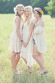 Sisters or friends photography Mother Daughter Photos, Sister Pictures, Prom Pictures, Family Pictures, Sister Photography, Prom Photography, Adult Sibling Photography, Children Photography, Sister Poses