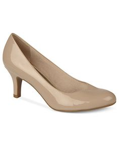 Life Stride Parigi Pumps every girl needs nude pumps you can wear them with anything. These come in 9.5W