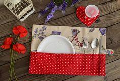 Tovaglietta Pic Nic con sottobicchiere a cuore (stoffa ecru e rossa a pois bianchi)  #summergiftparty #picnic #tovaglietta #sottobicchiere #estate #summer #pois #scampagnata