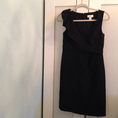 Loft DressFinal Sale! Stunning black dress! Great condition. size 0. Comfy kinda stretchy material. LOFT Dresses