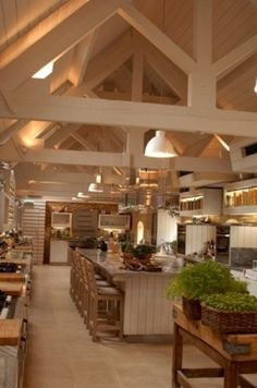 33 Wonderful Kitchens Interiors Designed In Barns http://www.architectureartdesigns.com/33-wonderful-kitchens-interiors-designed-in-barns/