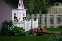 Pictures of Porches from Readers Pictures Of Porches, Porch Railing Designs, Small Porches, Play Houses, Front Porch, Shed, Outdoor Structures, Creative Ideas, Plants