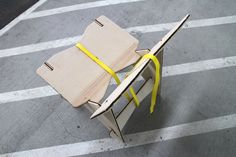 Ratchet Strap Chair : Strap it Together