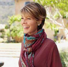 17.Short Hair Style for Older Women