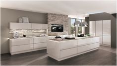 Luxury Kitchens in NYC by German Kitchen Center. Our expert kitchen designers will bring your dream kitchen to reality, with stunning results. Nobilia Kitchen, Handleless Kitchen, Luxury Kitchens, Home Kitchens, German Kitchen, Modern Kitchen Design, Kitchen Style, Kitchen Living, Kitchen Design