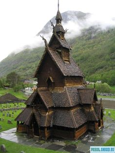 900 YEAR OLD BORGUND STAVE CHURCH, NORWAY | Real WoWz