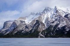 Frozen Lake Minnewanka Banff National Park Canada [OC] [4208x2811]