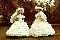 Is there such thing as a Jewish Southern belle? A Southern belle is a woman of the deep South from the upper socioeconomic class. Young, unmarried women who came from plantation-owning families. Southern Belle Costume, Southern Belle Style, Southern Belle Secrets, Southern Charm, Southern Women, Southern Accents, Southern Food, Victorian Era Dresses, Victorian Costume