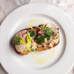 Bruschetta w/ Tuna, Radish & Capers