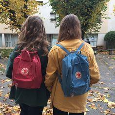 JU - ysaure and I, on a sweet autumn day. Mochila Kanken, Kanken Backpack, Kanken Outfit, Besties, Fjallraven, Estilo Retro, Look Vintage, Fancy, Nike