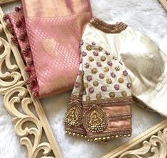 Saree Blouse Designs: Latest & Evergreen collections of 2019 - serme Choli Blouse Design, Wedding Saree Blouse Designs, Pattu Saree Blouse Designs, Stylish Blouse Design, Fancy Blouse Designs, Instagram, Saree Styles, Blouse Patterns, Bridal Lehenga