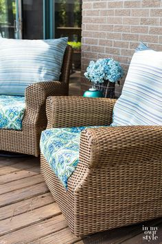 Easy Ways to Make Indoor and Outdoor Chair Cushion Covers Lawn Furniture Cushions, Outdoor Chair Cushions, Floor Cushions, Cushions On Sofa, Outdoor Chairs, Outdoor Furniture Sets, Outdoor Rooms, Modern Furniture, Furniture Design