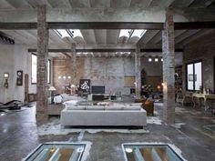 Um loft estilo industrial, típico dos primeiros lofts americanos. Lindíssimo! Barcelona..
