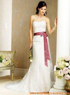 Robe A-ligne en satin et organdi ornée de broderies et d'un ruban robe de mariée dentelle