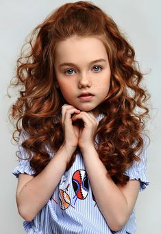 80 Long Curly Hairstyles for Women – Page 56 of 80 – Soflyme 80 Long Curly penteados para mulheres Curly Hair Cuts, Long Curly Hair, Curly Girl, Curly Hair Styles, Girl Haircuts, Little Girl Hairstyles, Short Hairstyles For Women, Redhead Hairstyles, Kids Curly Hairstyles