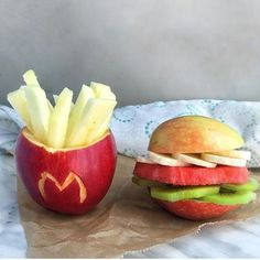UrStoryZ- The post Diet Hamburger and Fries appeared first on UrStoryZ. Cute Food, Good Food, Yummy Food, Food Crafts, Diy Food, Hamburger And Fries, Food Art For Kids, Healthy Snacks, Healthy Recipes