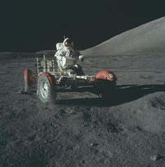 Global Gallery 'Lunar Roving Vehicle, Apollo by NASA Framed Photographic Print Apollo Moon Missions, Apollo 11 Mission, Back To The Moon, Man On The Moon, Cosmos, Programa Apollo, Eugene Cernan, Foto Picture, Photo Art