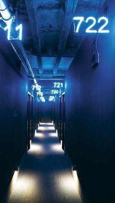 New post on carnets-de-traverse Corridor Lighting, Neon Lighting, Lighting Design, Wayfinding Signage, Signage Design, Environmental Graphics, Environmental Design, Hild Und K, Viajes