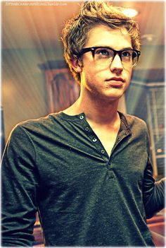 Oh hey, I know you Cameron Mitchell.