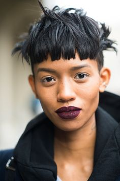 Mussy hair and a bold lip. What could be better? Source: Le 21ème | Adam Katz Sinding