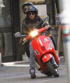 "Lewis Hamilton and Nicole Scherzinger in Italy.Lewis likes ""NIKE Air Jordan"" not ""Puma""..."