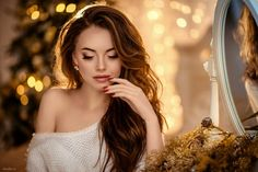 Boudoir inspiration- love the coloring Boudoir Photos, Boudoir Photography, Portrait Photography, New Year Photoshoot, Cute Valentines Day Outfits, Instagram Pose, Christmas Photography, Winter Photos, Foto Pose